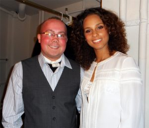 Max-Meets-Alicia-Keys-300x258